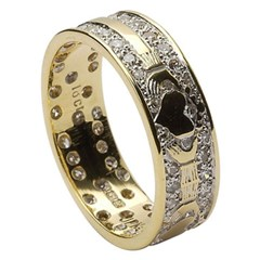 Claddagh Diamond Pavé Yellow Gold Claddagh Band