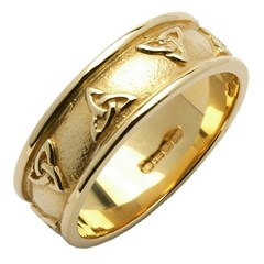 Trinity Knot Yellow Gold Wedding Band