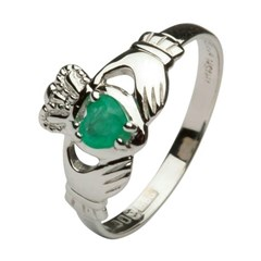 Ladies Claddagh Heart Emerald Set Ring