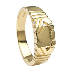Gents Claddagh Square Yellow Gold Ring