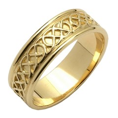 Celtic Closed Knot Yellow Gold Wedding Band