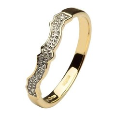Diamond Yellow Gold Wedding Ring