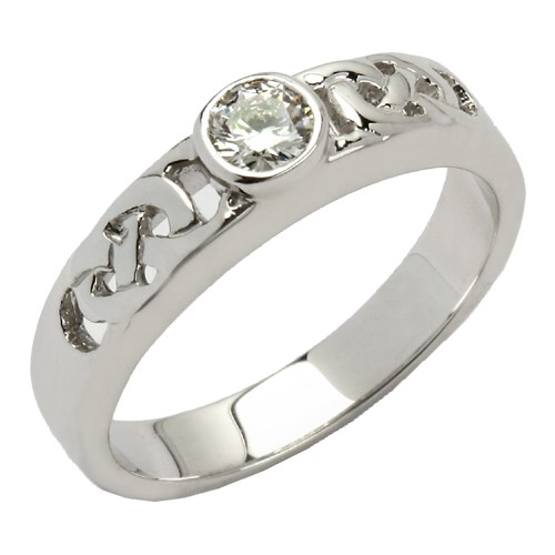 Celtic Solitaire White Gold Ring with Brilliant Cut Diamond