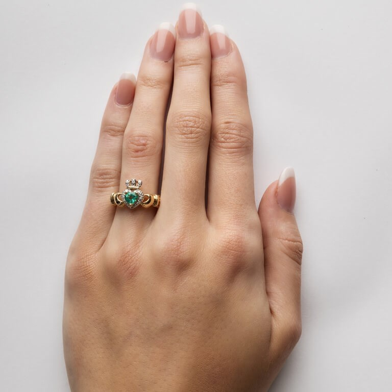 9a3c1ef78f552 Yellow Gold Claddagh Ring Set With Emerald and Diamond - Claddagh ...