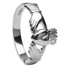 Ladies Large Claddagh Ring