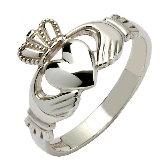 Gents Traditional Silver Claddagh Ring